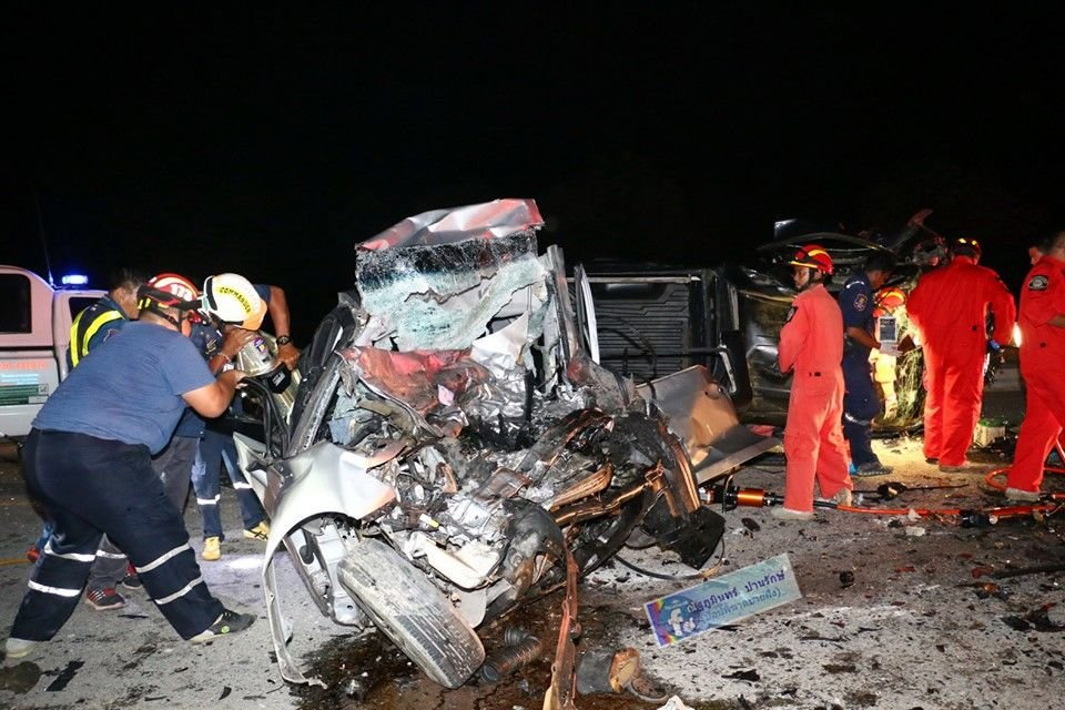 Navy officer and two others killed in Chon Buri road smash | News by The Thaiger