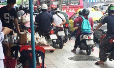 Vendors shuffled off Bangkok footpaths to make way for motorbikes   The Thaiger