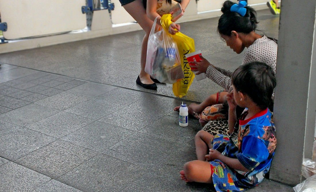 Thailand passes new laws to reduce begging | The Thaiger