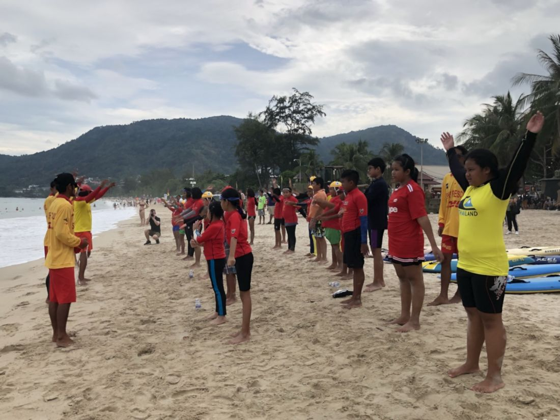 Aussie lifeguards and Navy conduct local lifesaver program   News by Thaiger