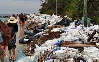 มักง่าย! เกาะล้านขยะท่วม หวั่นกระทบธรรมชาติและการท่องเที่ยว   The Thaiger