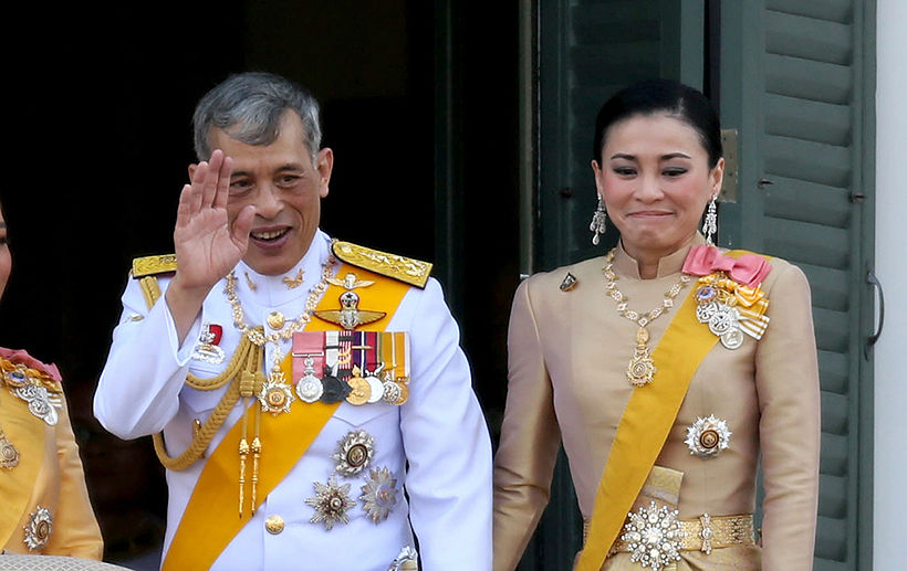 King greets the people in a massive public audience at the Grand Palace | News by The Thaiger