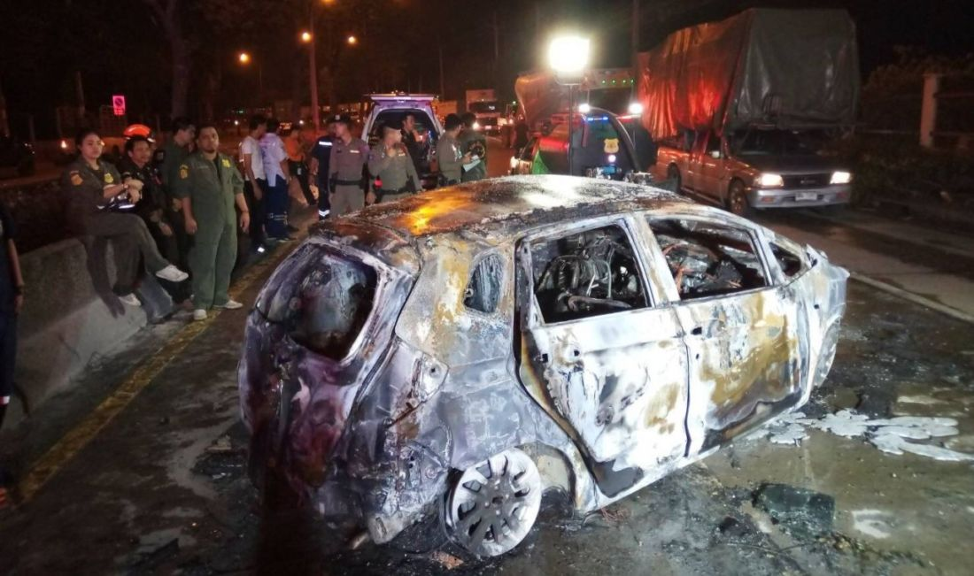 Three die after car bursts into flames in Bangkok | News by Thaiger