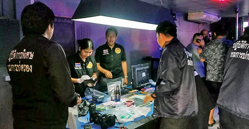 Police raid Soi 6 bar in Pattaya, undercover prostitution and