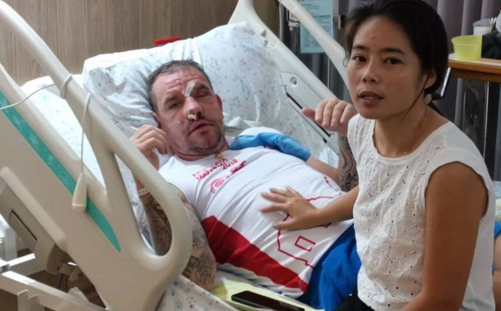 British man beaten up by Thai thugs in Pai for 'interfering' in an argument | News by Thaiger