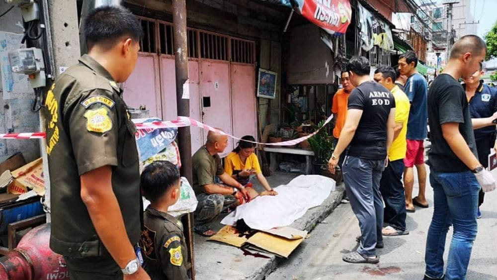 Arrests over weekend's taxi gang violence in Bangkok, two dead – VIDEO | The Thaiger