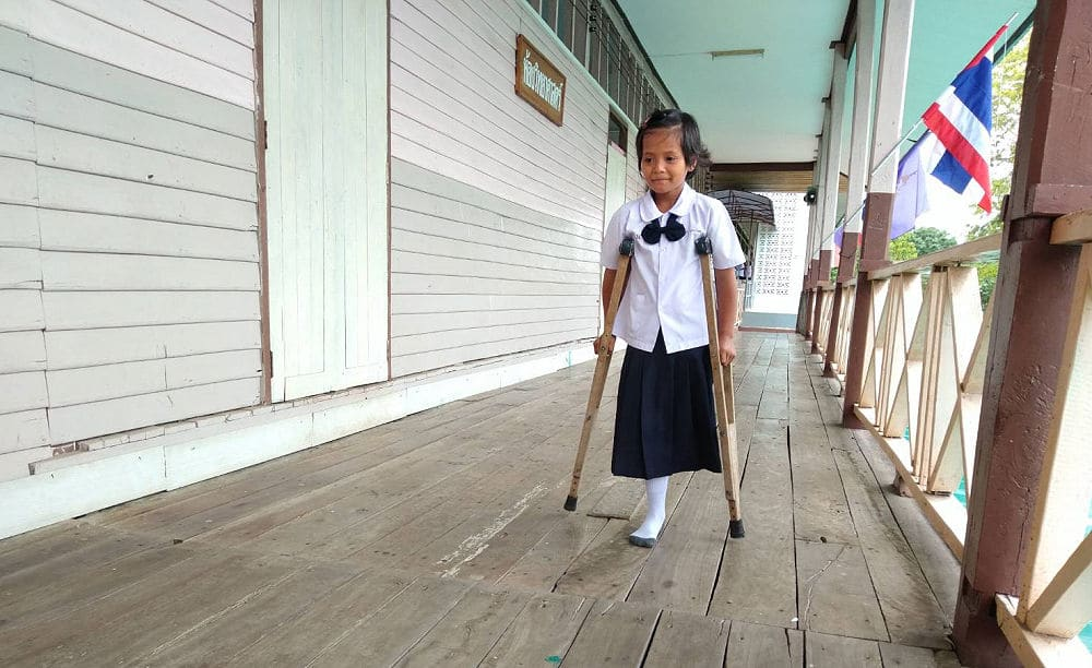 Nattaporn needs you help - nine year old Thai amputee wants a prosthetic leg | News by The Thaiger
