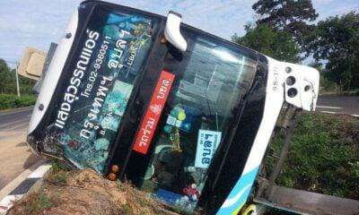 Seven injured after bus rolls over in Sisaket bus incident | The Thaiger