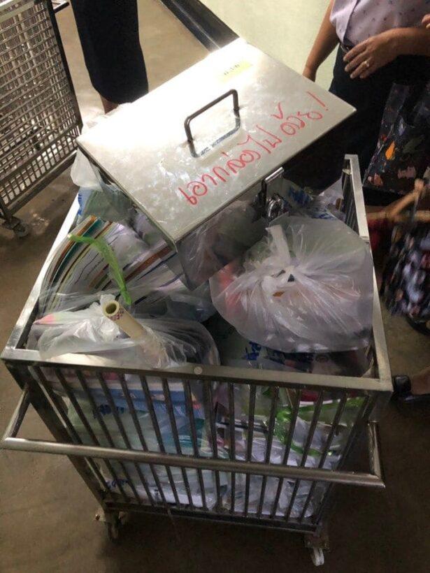 คืบหน้าเครนหล่น รร.อัสสัมชัญคอนแวนต์ ย้ายที่เรียน ม.3-6 ชั่วคราว เพื่อความปลอดภัย | News by The Thaiger