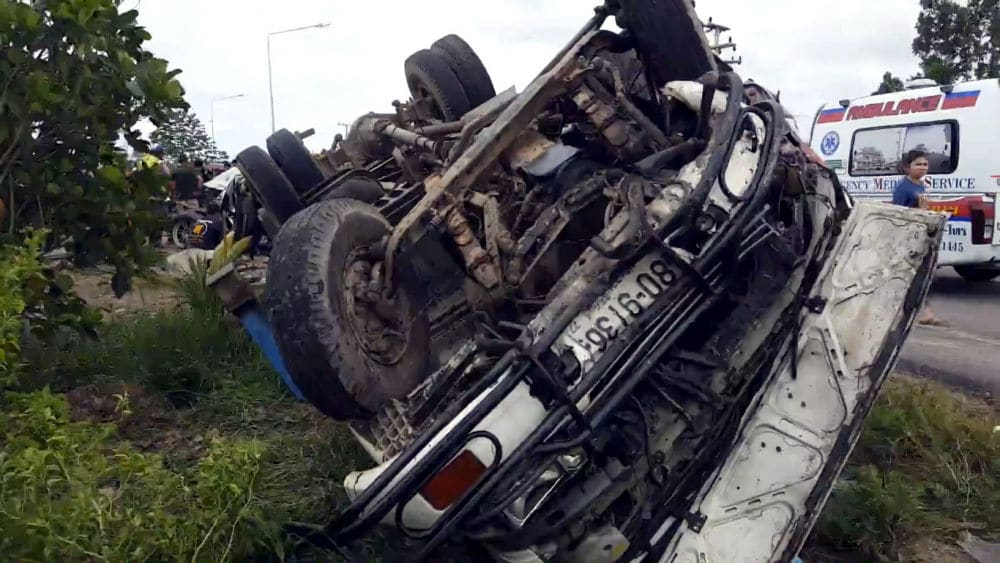Six killed, three injured at intersection in Prachuap Khiri Khan | The Thaiger