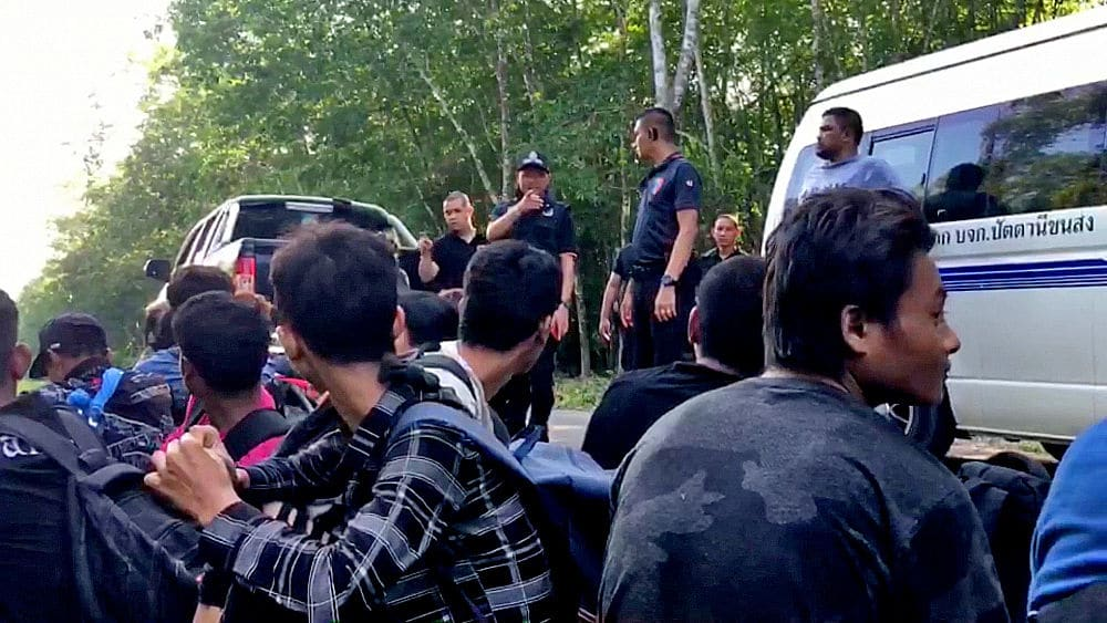 Eighteen Burmese illegal migrants found in a Songkhla camp, Thailand | The Thaiger