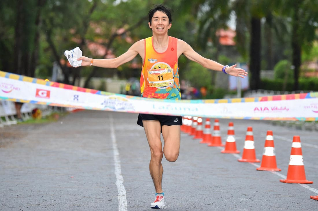 Filipino and Japanese battle the weather in the 2019 Laguna Phuket Marathon | News by The Thaiger
