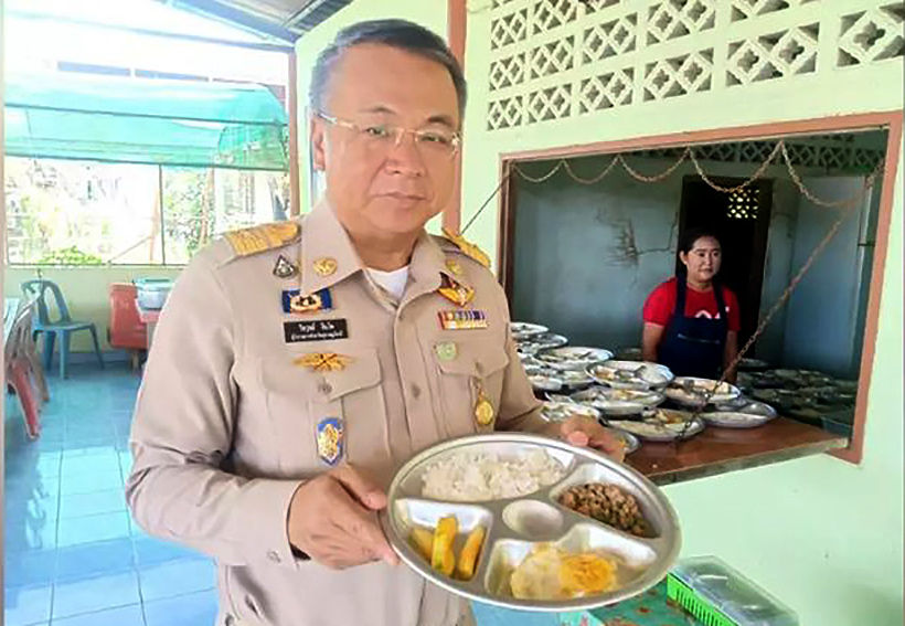 Surat Thani governor does spot checks on free school lunch program | News by Thaiger