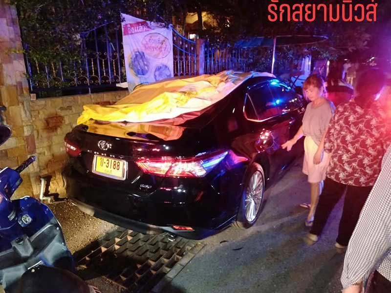 Thai lady fusses over scratch on car while Frenchman lies injured on the road
