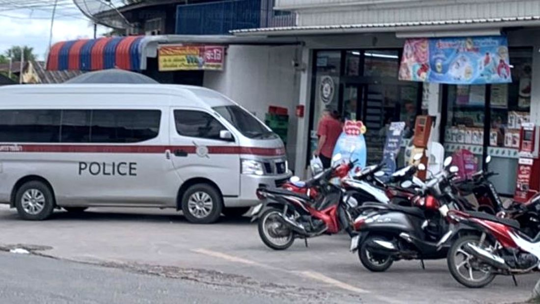 Motorcycle robbers escape with 70,000 baht from Bangkok 7-Eleven   News by Thaiger