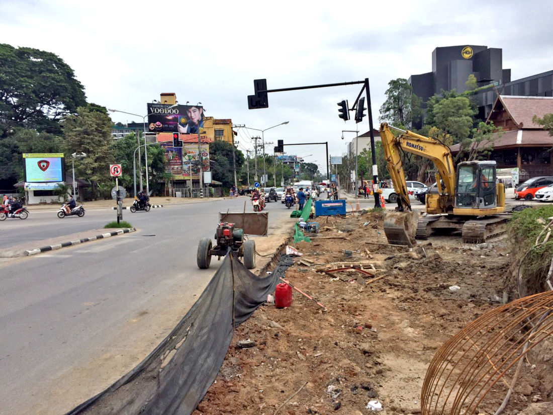 Chiang Mai protesters petition Governor over Rinkham Intersection upgrade | News by Thaiger