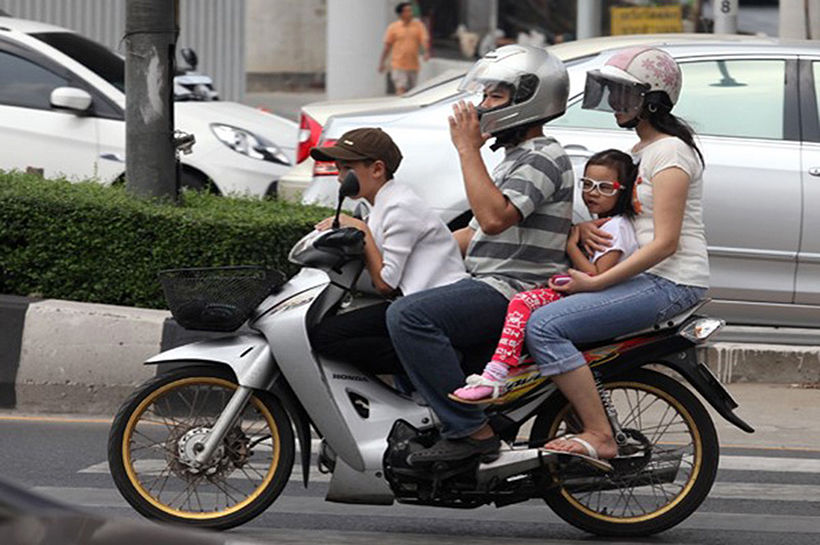 Most Thai motorcycle riders don't wear crash helmets | The