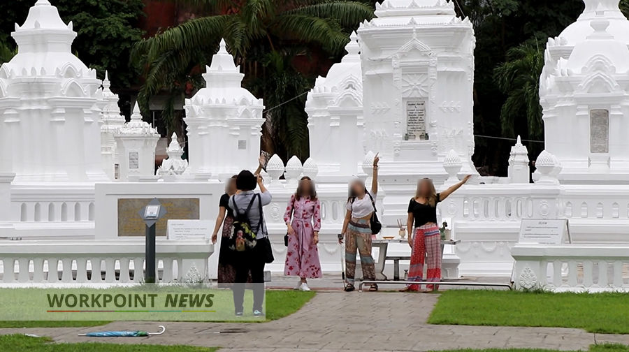 Chiang Mai's Wat Suan Dok closed off after tourists take 'inappropriate' pics | News by Thaiger