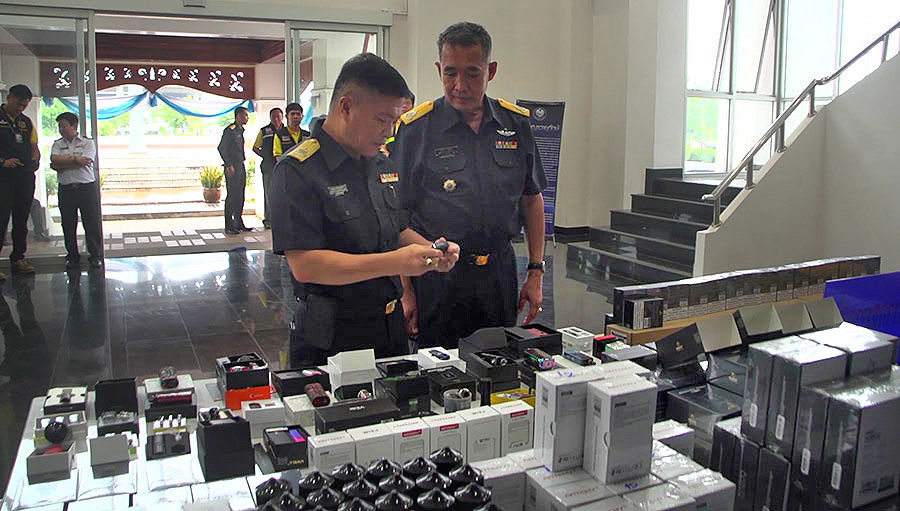 Electronic cigarettes valued at 11.25 million baht seized in Mukdahan province | The Thaiger