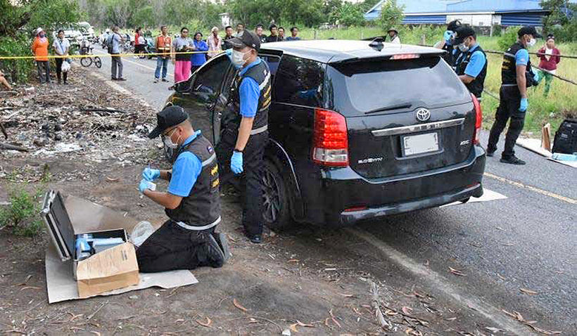 Father, mother and child found dead in back of car in Pathum Thani | The Thaiger