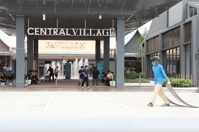 Central Village at airport opens today after AoT told to remove entrance blockade | News by Thaiger