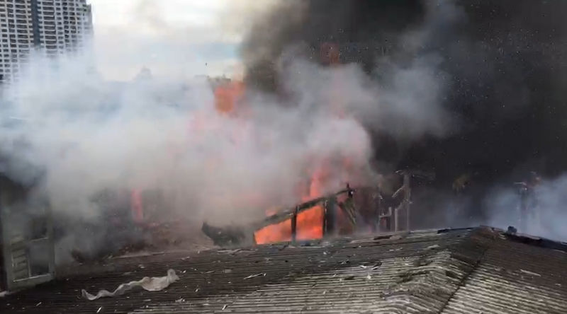 Police look for for three men, two women following Friday morning's Pratunam fires | News by Thaiger