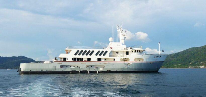 Superyacht ablaze at the Ao Po Grand Marina in Phuket | News by Thaiger