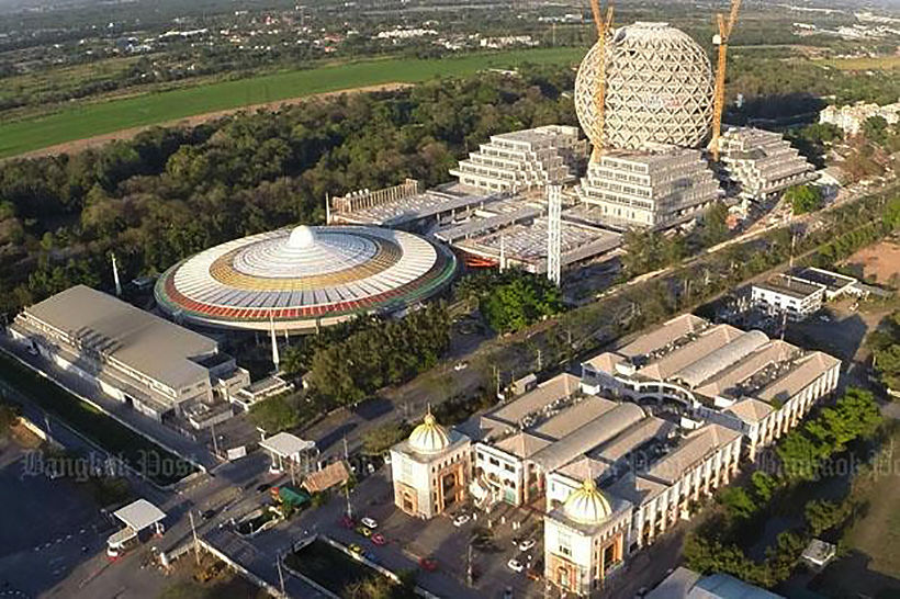 Wat, who and why? Thai PM wants to bring monk Dhammajayo to justice.   News by Thaiger