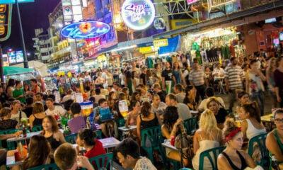 Khao San Road vendors petition the BMA to postpone renovation | Thaiger