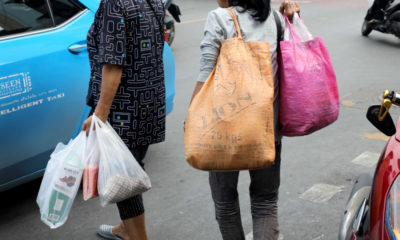 Old Thai habits die hard: Businesses are trying but shoppers remain stubborn | Thaiger