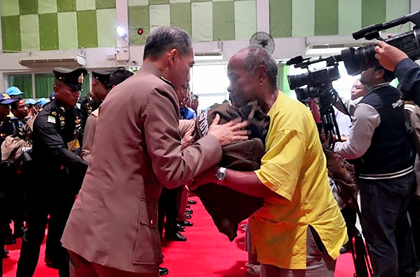HM the King offers relief to Khon Kaen flood victims   News by Thaiger