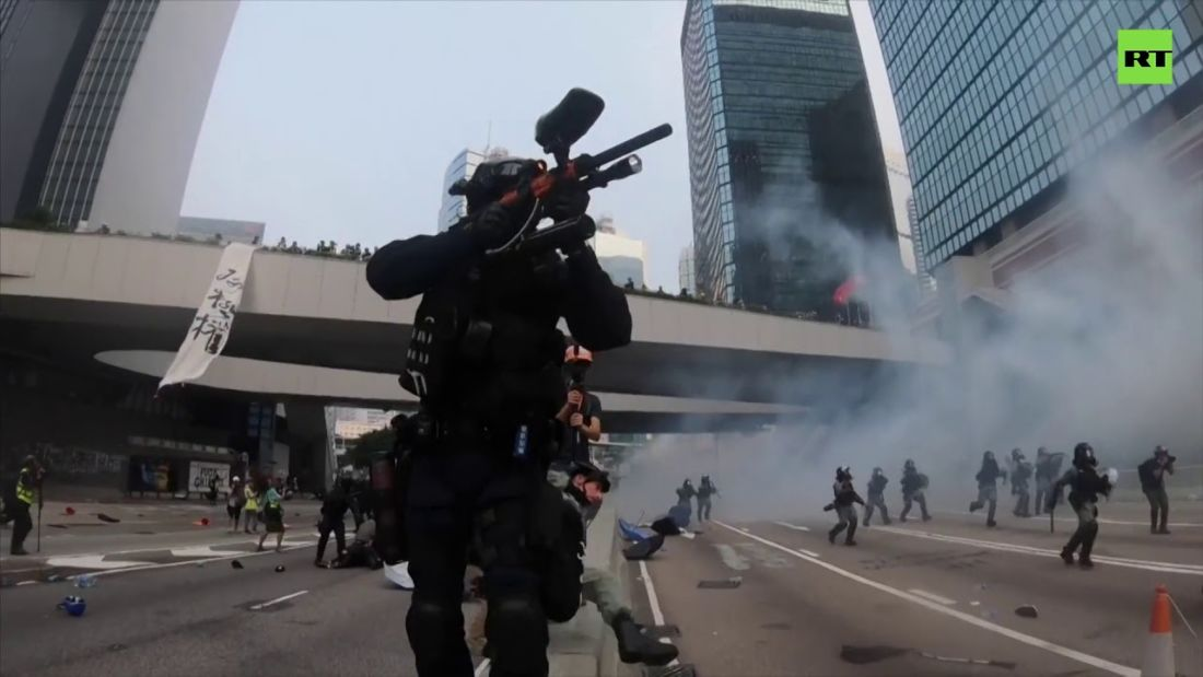 Hong Kong clashes heat up ahead of 70th anniversary party for China | News by Thaiger