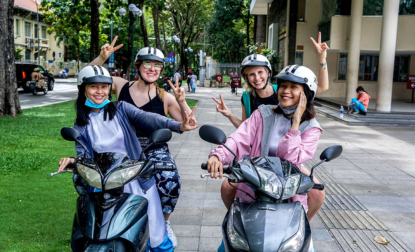 Sampling Saigon street food with XO Tours