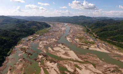 Sand dunes exposed as water in Mekong River falls to critical level | The Thaiger