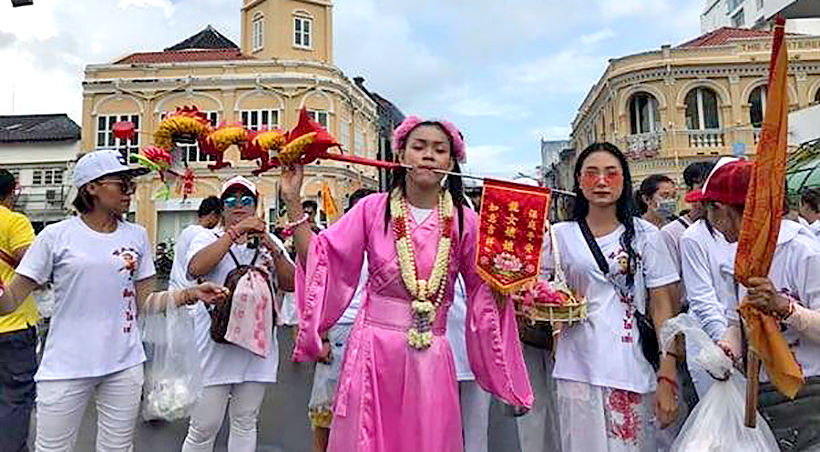 Mah Songs parade through Phuket Town exciting tourists and locals | News by Thaiger