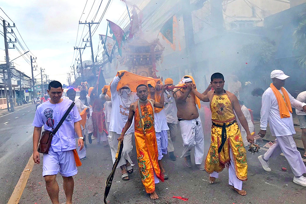 Mah Songs parade through Phuket Town exciting tourists and locals | Thaiger