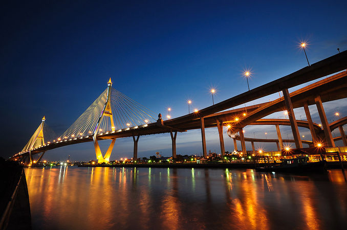 Festival of lights will decorate 13 Bangkok bridges until October 25   News by Thaiger