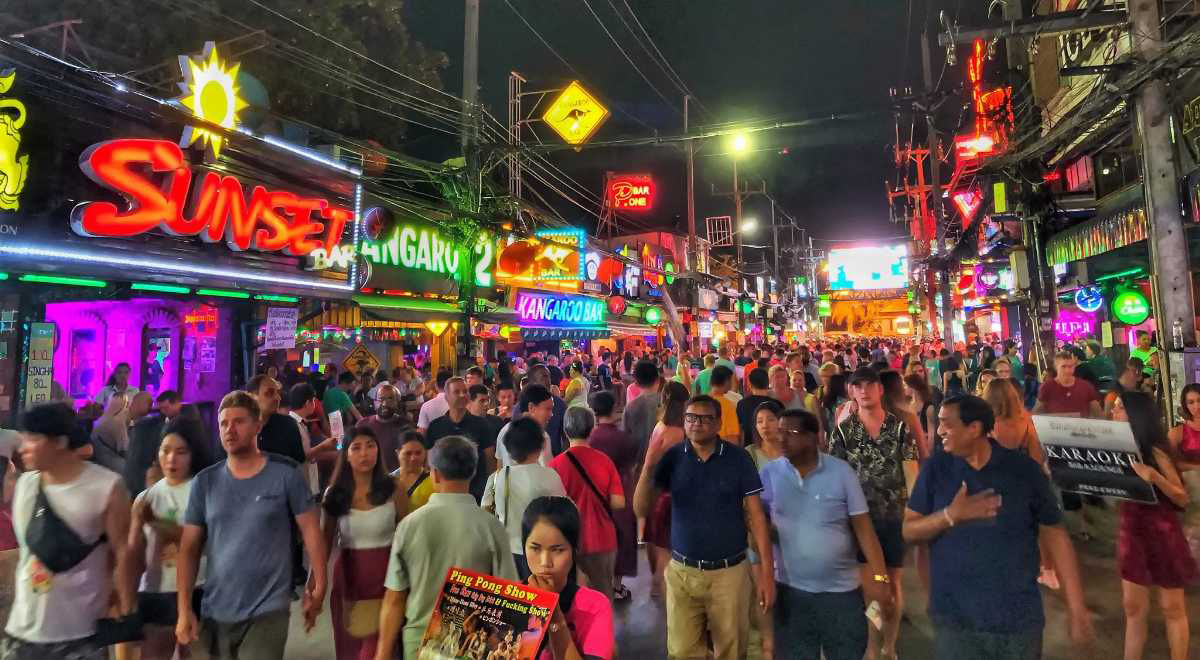 2 Phuket Town nightclubs shut down after allegedly violating multiple laws | The Thaiger