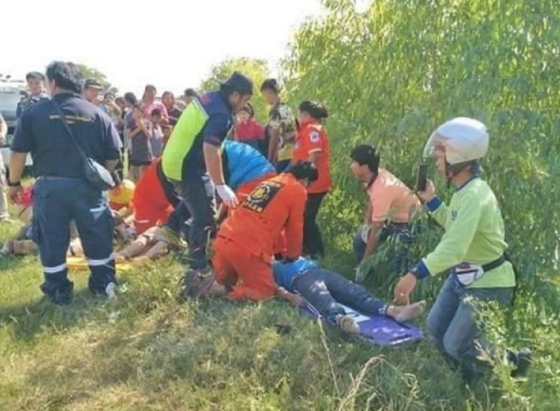 3 killed as car skids into canal | News by Thaiger