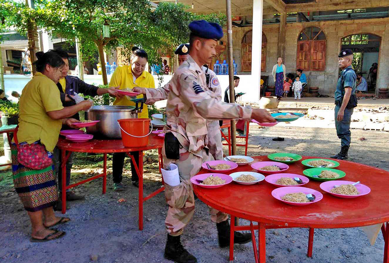 Mon refugees continue to flee Myanmar to Thailand   News by Thaiger