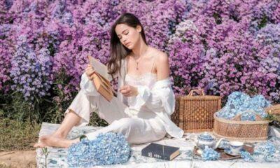 ญาญ่า เที่ยวทุ่งดอกไม้ตามรอย อั้ม พัชราภา คอมเมนต์น่ารัก | The Thaiger