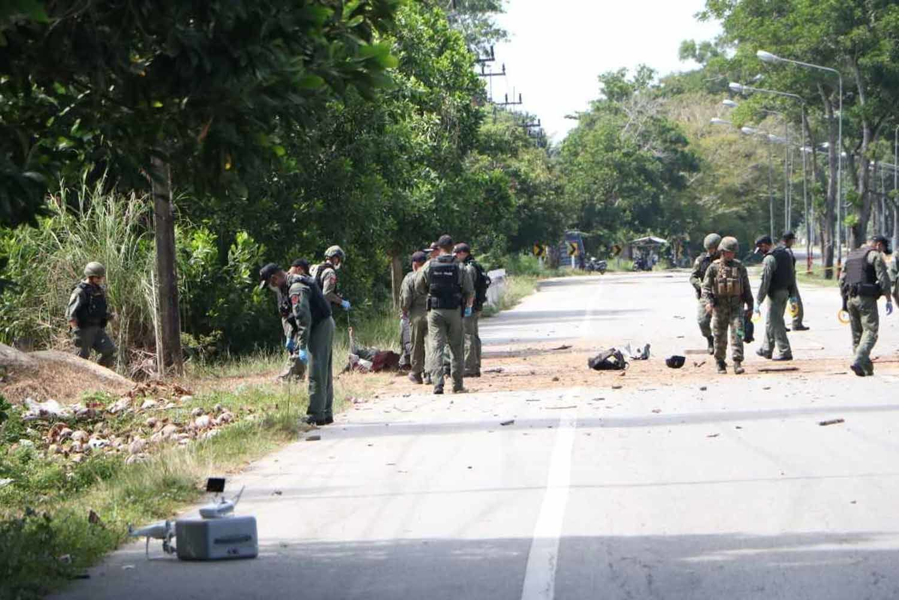 Roadside bomb injures 3 police in Narathiwat | Thaiger