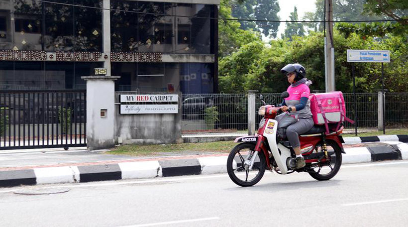 Grab v Get v Food Panda - Delivery apps battle for the streets of Thailand | News by Thaiger