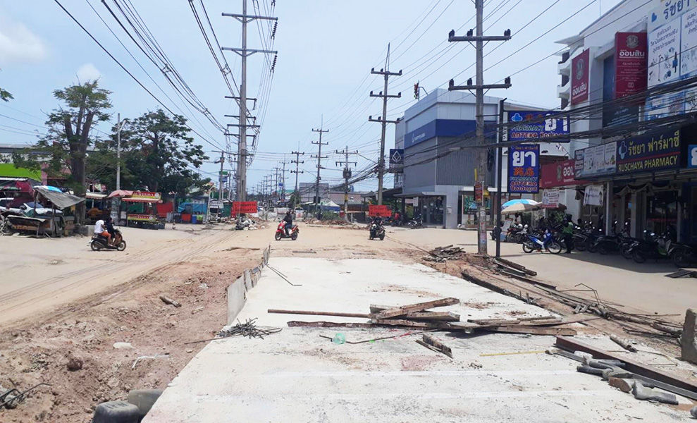 Pattaya residents voice frustration over traffic problems and road closures