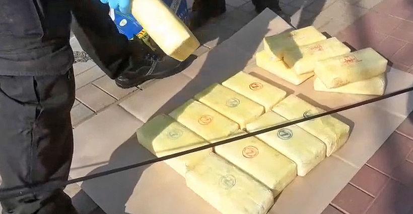 Three men abandon van packed with drugs in Bangkok