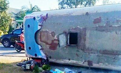 Long An: Lật ô tô chở công nhân, hai người bị đè chết, nhiều người bị thương | The Thaiger