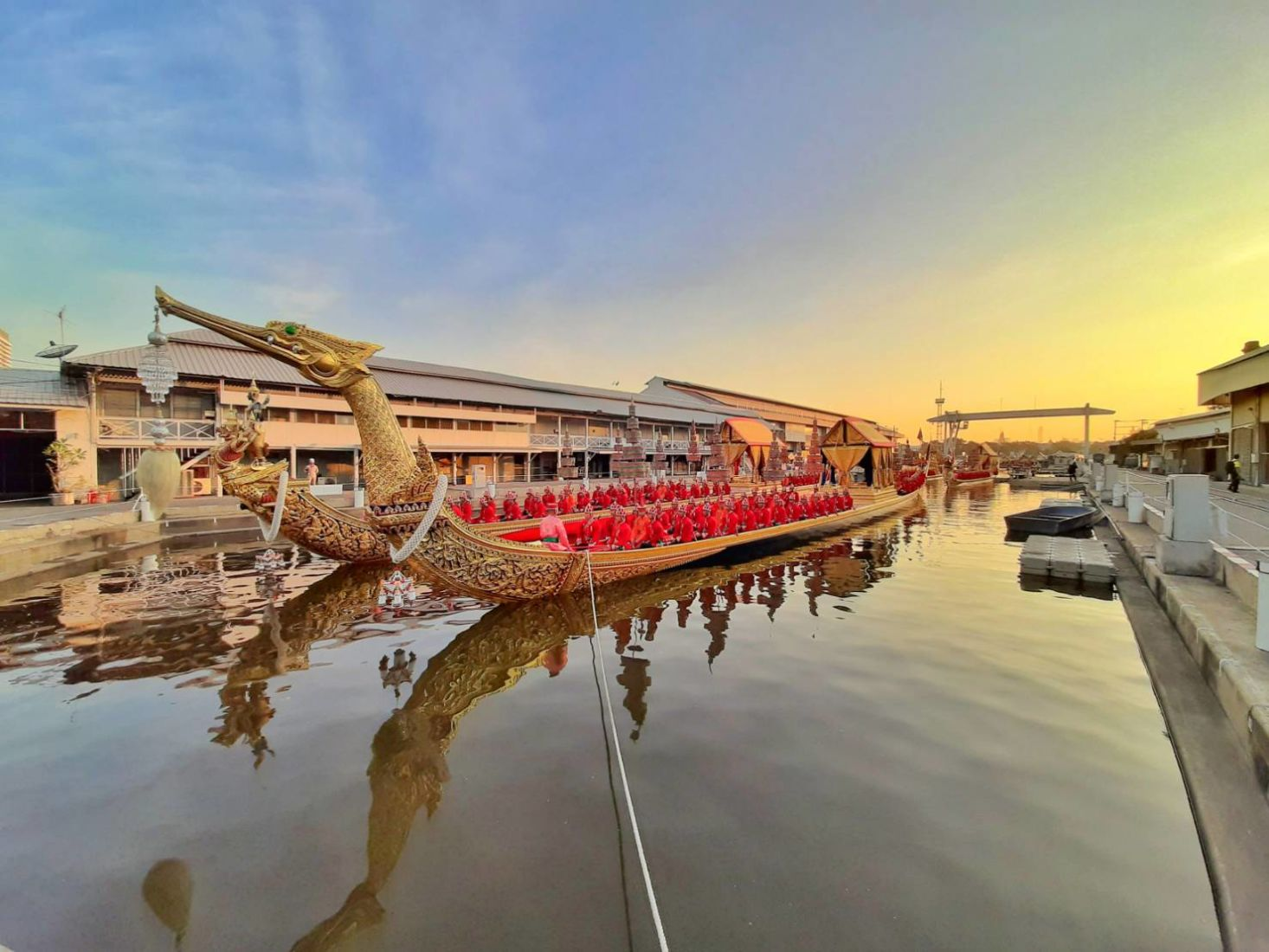 Live links to streaming coverage of the Royal Barge Procession in Bangkok | The Thaiger