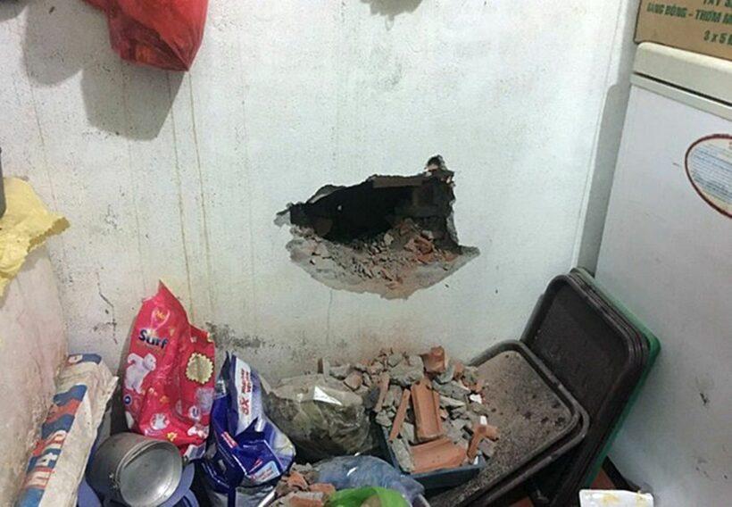 Hà Nội: Phát hiện 3 thi thể chồng lên nhau trong căn nhà bốc cháy | News by Thaiger