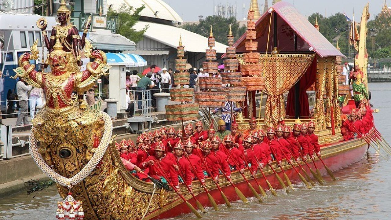 Airport Link offers free rides on December 12 so people can watch the Royal Barge Procession   The Thaiger