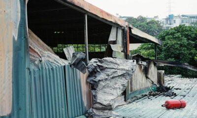 Hà Nội: Phát hiện 3 thi thể chồng lên nhau trong căn nhà bốc cháy | The Thaiger